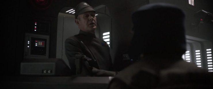Nu zien we dat de persoon die we horen spreken een Imperial officier is die iemand lijkt e interviewen voor een baan in het Keizerlijke leger. De officier vraagt de persoon in welke branche hij interesse heeft.