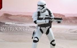 #shortcut: Hot Toys First Order Stormtrooper (Jakku Exclusive)