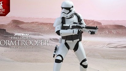 #shortcut: Hot Toys First Order Stormtrooper (Jakku Exclusive)