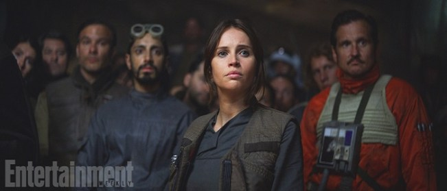 Rogue One: A Star Wars Story (2016) Jyn Erso (Felicity Jones) in foreground, Bodhi Rook (Riz Ahmed) in background Copyright 2016 Industrial Light & Magic, a division of Lucasfilm Entertainment Company Ltd., All Rights Reserved Credit: ©2016 LUCASFILM LTD. ALL RIGHTS RESERVED.