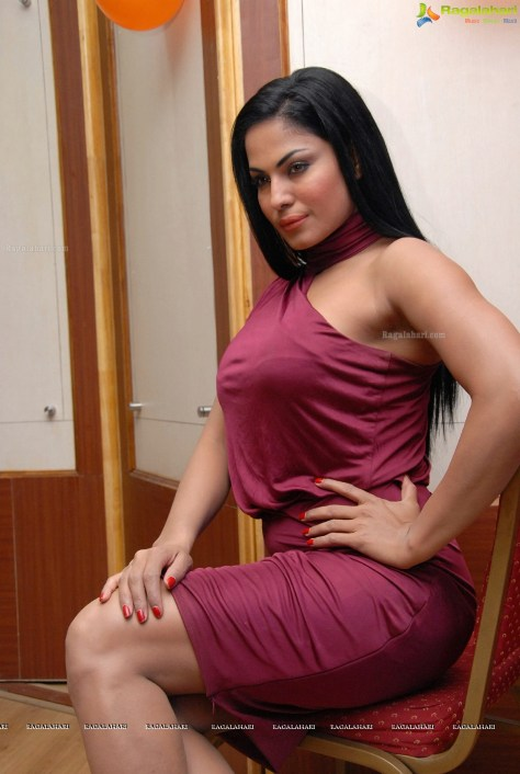 Veena Malik sexy actress Height, Weight, Age, Body Measurement, Wedding, Bra Size, Husband, DOB, instagram, facebook, twitter, wiki
