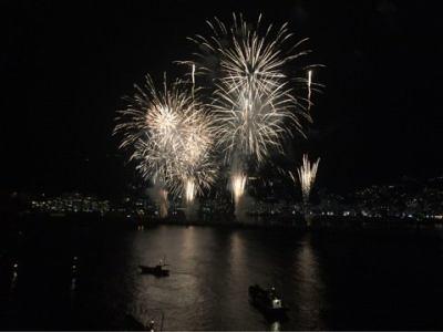 にっぽん丸船上から見る熱海の花火