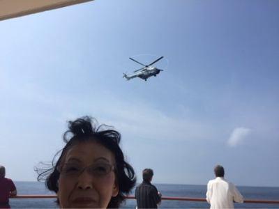にっぽん丸に海上保安庁のヘリがきた