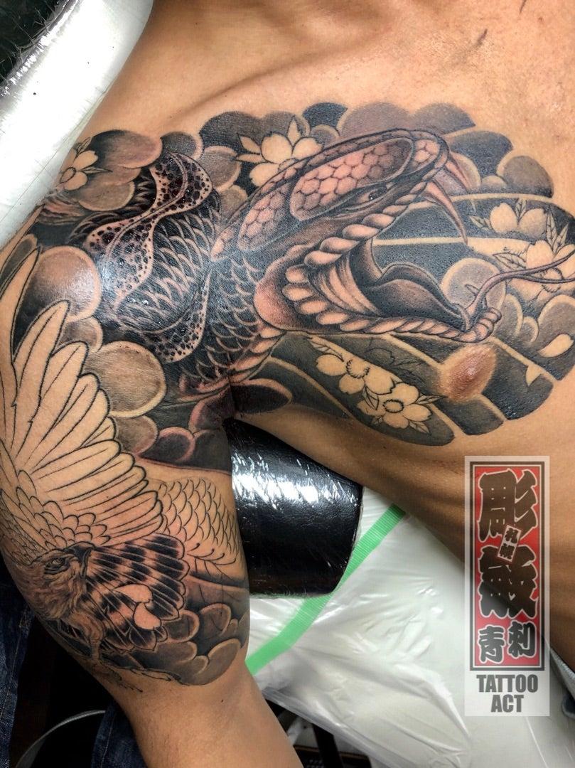 #蛇刺青 #鷹刺青 #札幌刺青 #札幌タトゥー #すすきのタトゥー #すすきの刺青 | 札幌タトゥースタジオ TATTOO ACT