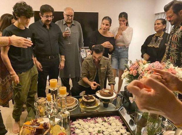 Anil Kapoor, Arjun Kapoor and Bonnie Kapoor celebrate Sanjay Kapoor's birthday with their family