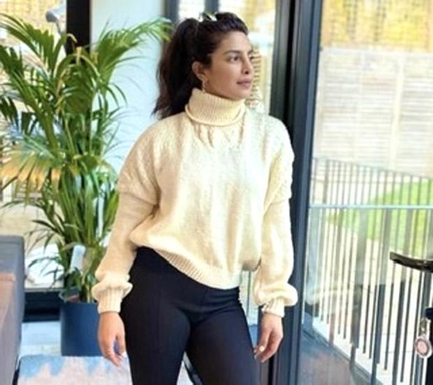 Priyanka Chopra wore a beautiful sweater knitted by her Mom!