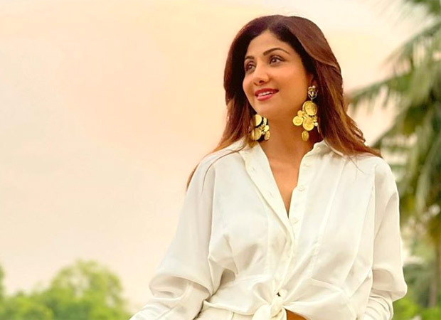 Shilpa Shetty took note of the current COVID situation;  Says, 'Together, we will overcome this'