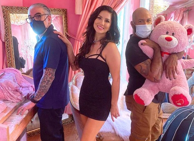 Sunny Leone rocks the LBD as she shoots for a video