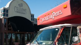 A defunct Champps on Route 73 in Marlton, NJ, will become a Chickie's & Pete's. Evesham Township Mayor Randy Brown and restaurant officials announced the deal Jan. 25. (Steve Lubetkin Photo/StateBroadcastNews.com)