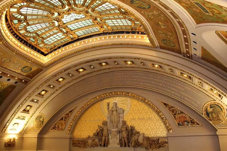 Like this wonderful golden ceiling.