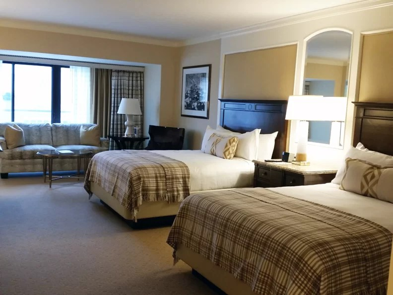 Planning a Family Vacation: 10 Tips for Finding the Perfect Accommodations