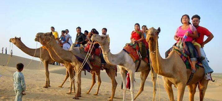 camel-safari Rajasthan