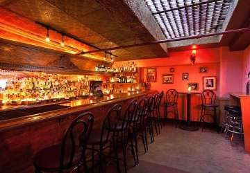 Keep Cool At Seattles 5 Best Underground Bars Seattle