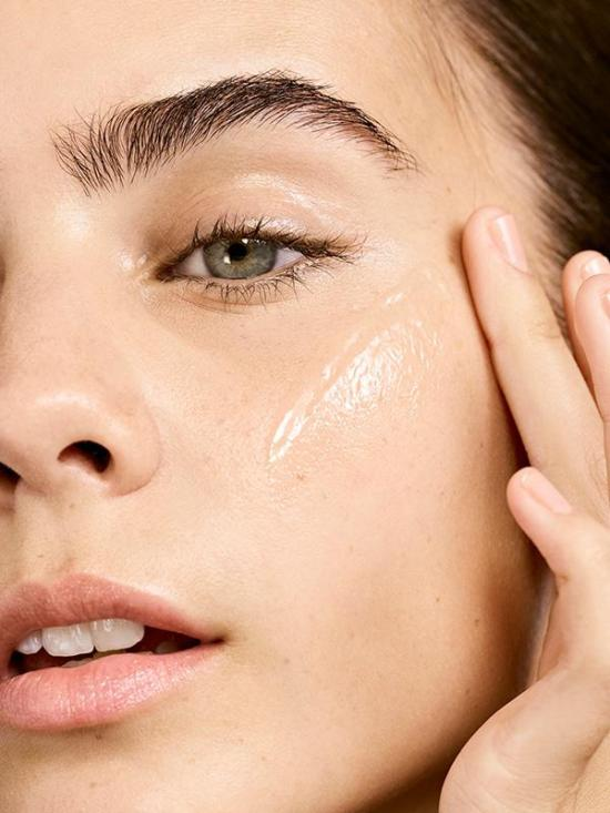 What Are The Benefits Of Hyaluronic Serum?