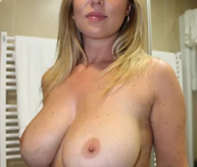 Amateur Photo Blonde And Busty Milf