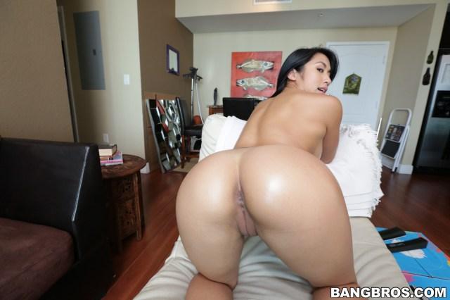Mia Li Porn Photo
