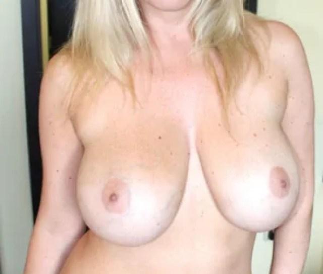 Amateur Photo Busty Blonde Milf