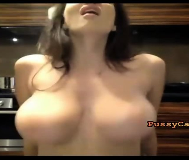 Perfect Body And Big Jiggly Boobs On Webcam Pussycamhd Com