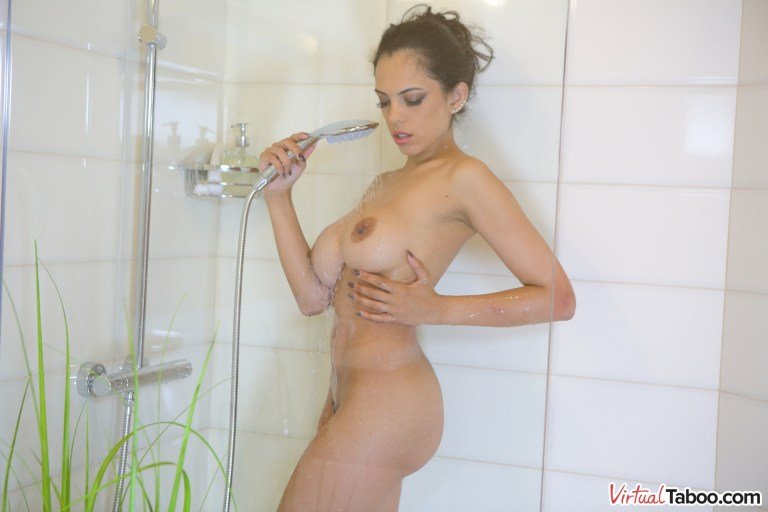 Enjoy VR Sex - Come Join Me In The Shower