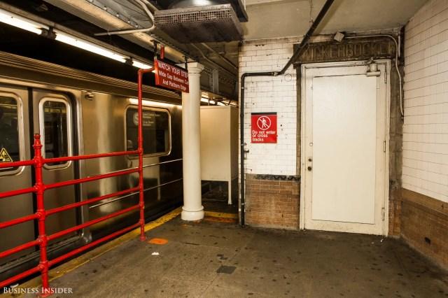 The Knickerbocker, subway entrance