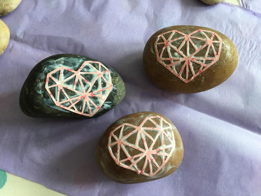 Valentine heart stone craft for kids