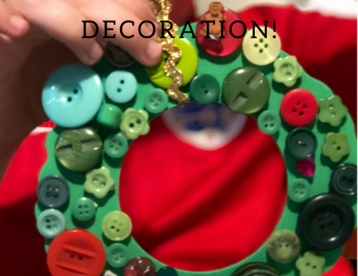 Christmas button wreath decoration for kids to make