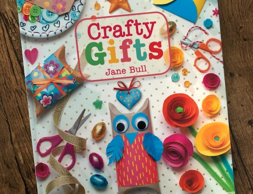 Crafty Gifts by Jane Bull book review