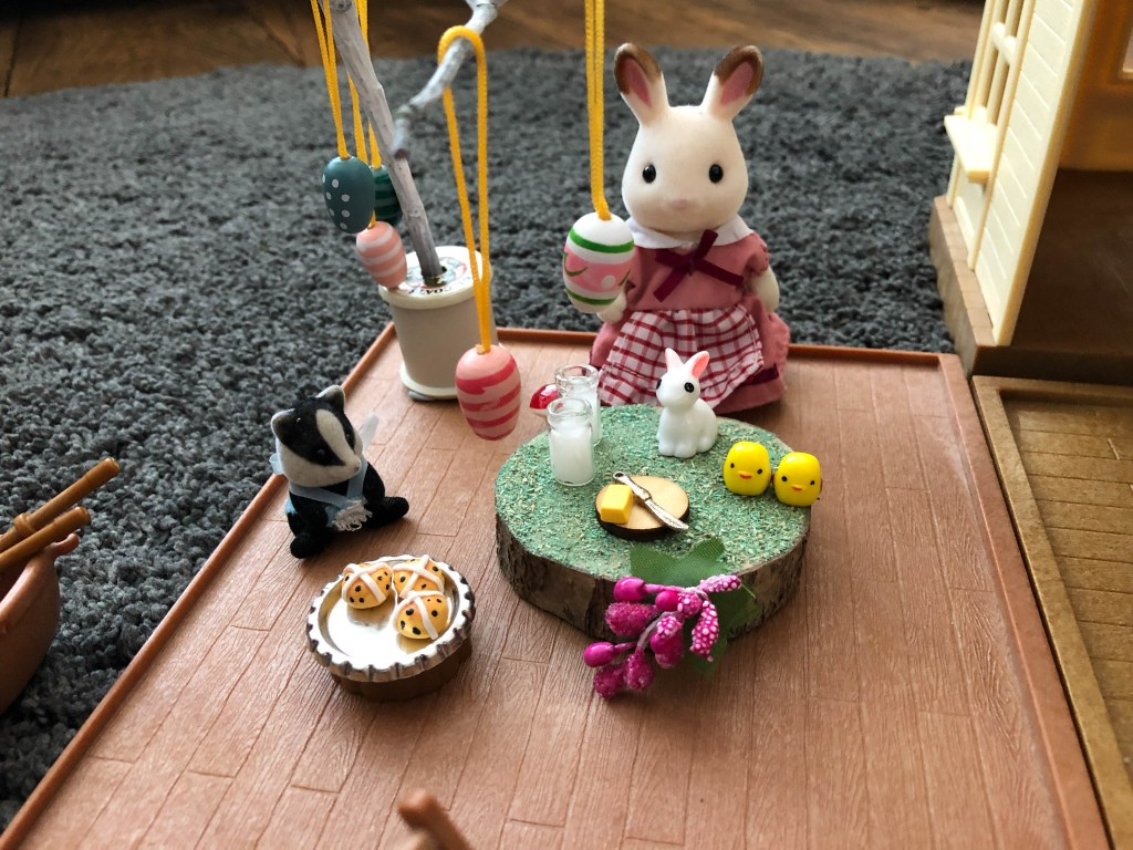 Sylvanian Families Easter play