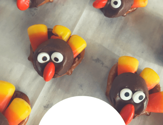 Rolo Turkey Pretzels {a Thanksgiving treat for kids}