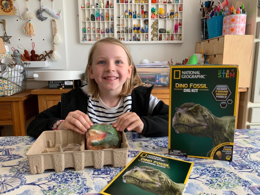 Discovering with National Geographic STEM kits for kids