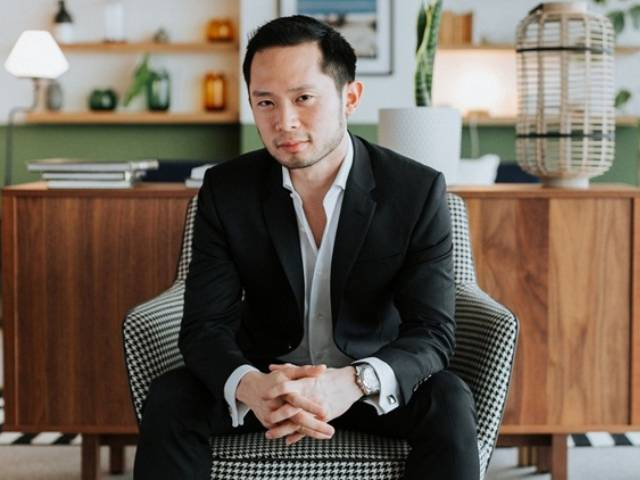 Who is the handsome businessman who founded the newly arrested dating platform?