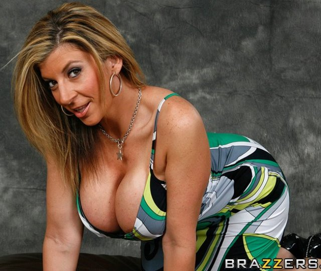 Hd Porn Video Picture This Bumpin Uglies Top Pornstar Sara Jay