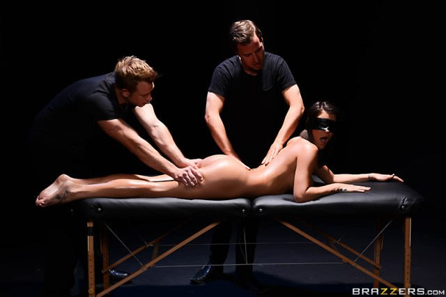 Hd Porn Video The Blindfold Massage