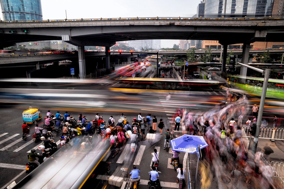 Busy streets of China by Wix photographer Viktor Molnar