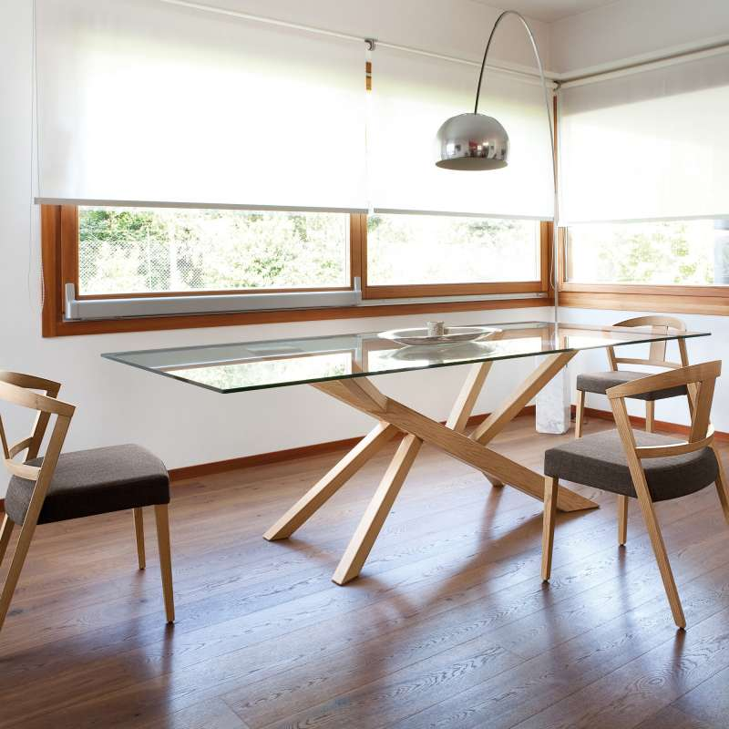 table design en verre et pieds bois tree domitalia
