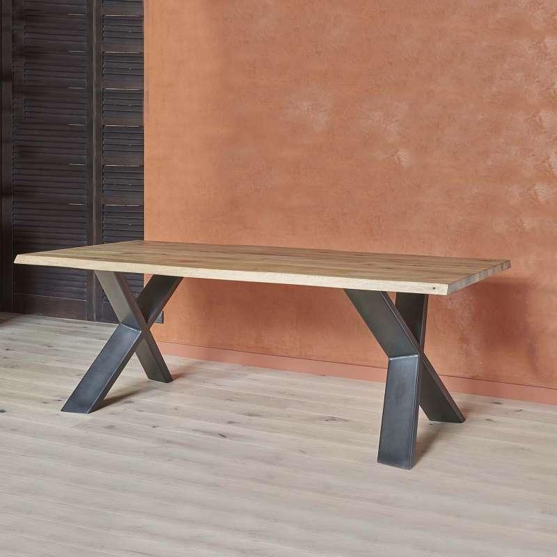 table rectangulaire en chene massif et pietement metallique en croix carte