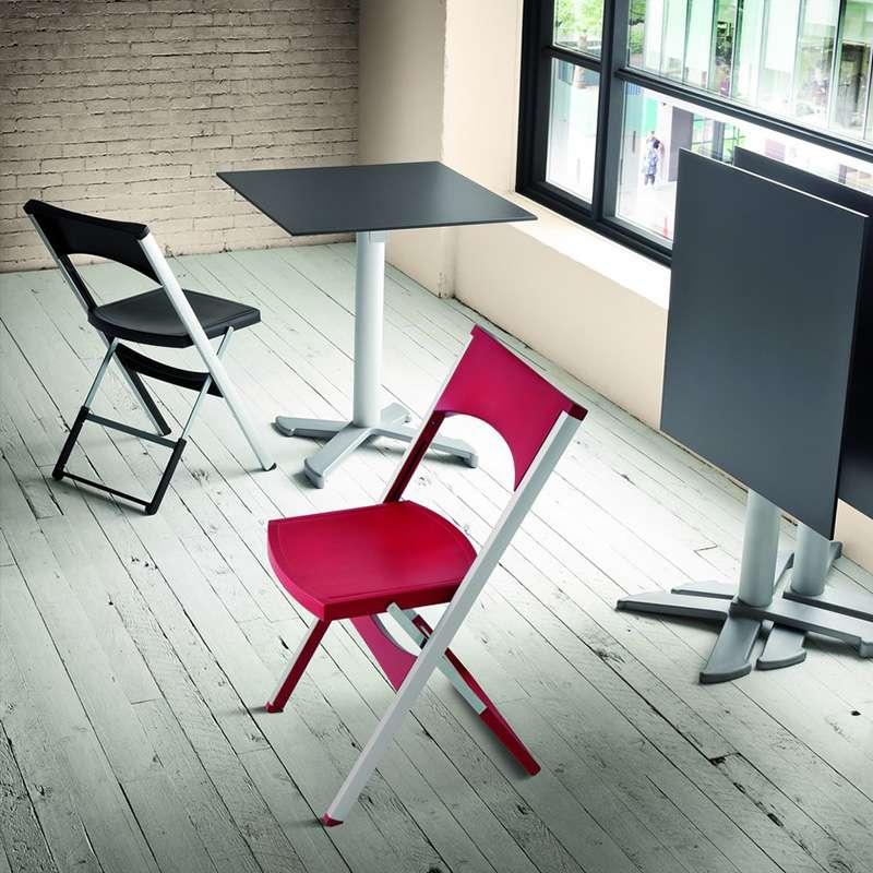 chaise pliante solide en technopolymere et metal aluminium compact