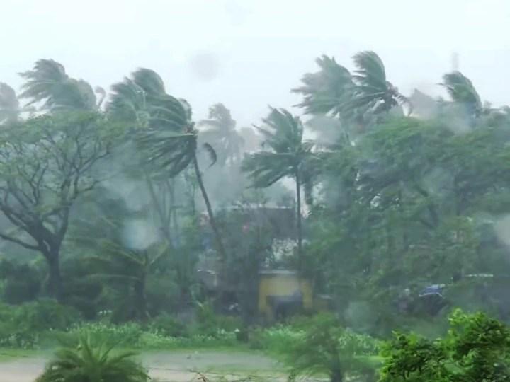 160-170 किलोमीटर प्रति घंटे की रफ्तार से 'अम्फान' ने दी दस्तक, कोलकाता के निचले इलाके में भारी नुकसान की आशंका