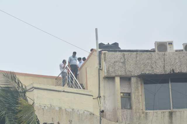 In Pics: सुशांत सिंह राजपूत के घर मौत का सीन रीक्रिएट करते सीबीआई की टीम की सामने आई ये तस्वीरें, यहां देखिए