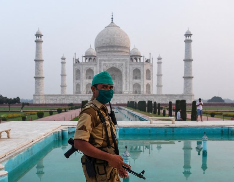 The bomb news at the Taj Mahal was fake, the youth who was upset about not getting a job had made a call, the questioning continued - Today India