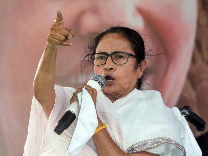 'उनकी पार्टी गुंडा, चोर और झूठ से भरी है', पश्चिमी मेदिनीपुर रैली में ममता का BJP पर जोरदार हमला