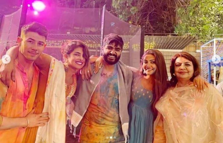 Photos: शादी के बाद Priyanka Chopra ने पति निक जोनस के साथ जमकर मनाई थी पहली होली, देखें थ्रोबैक तस्वीरें