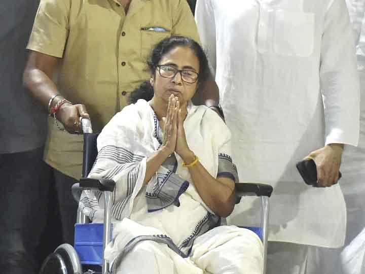 Bengal Election 2021: सीएम ममता बनर्जी ने बताया अपना गोत्र, बीजेपी ने साधा निशाना