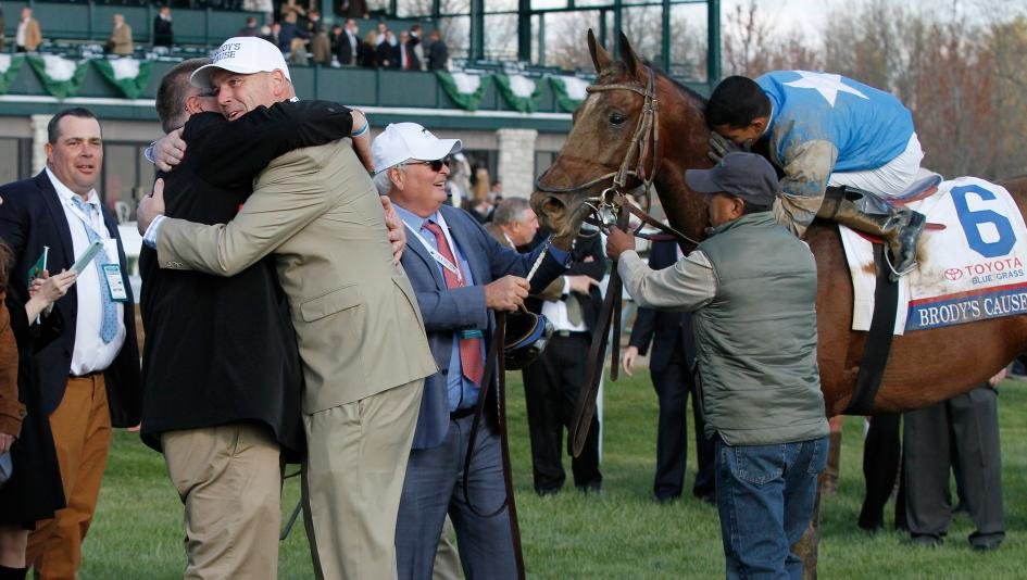 Slideshow Hugs And Horse Racing America S Best Racing
