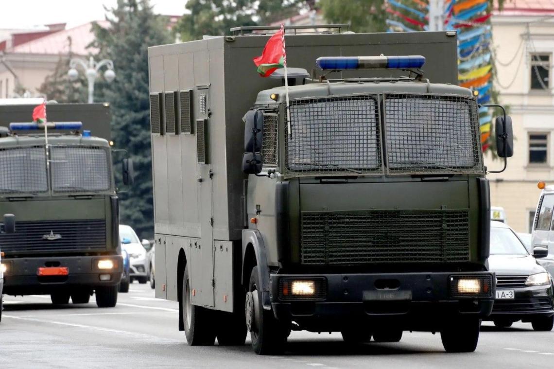В Минске начался «Марш единства», в центр столицы стянули военную технику: фото и видео, АБЗАЦ