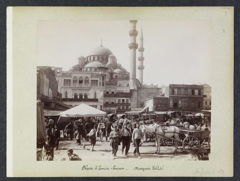 """من """"كنوز"""" العصر العثماني.. صور قد تعيد بذاكرتك حكايا الزمان"""