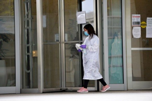 أول تجربة للقاح فيرس كورونا في أمريكا أظهرت تحفيزه للجهاز للمناعي