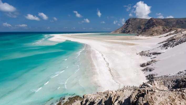 جزيرة سقطرى اليمنية