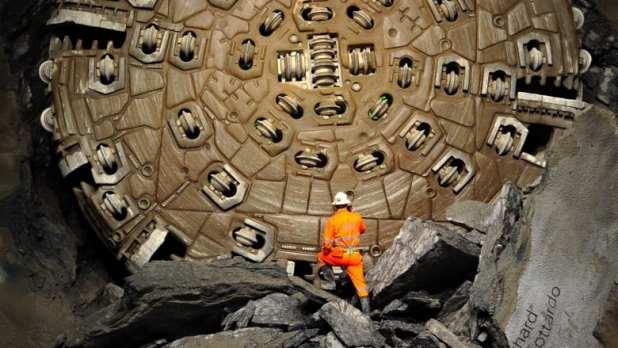آخر قطعة من الأحجية.. مشروع ضخم بعمق آلاف الأقدام تحت جبال الألب يقترب من الانتهاء