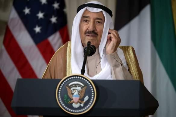 """""""نادرًا ما يتم منحه"""".. البيت الأبيض: ترامب يقلد أمير الكويت بوسام الاستحقاق الأمريكي"""